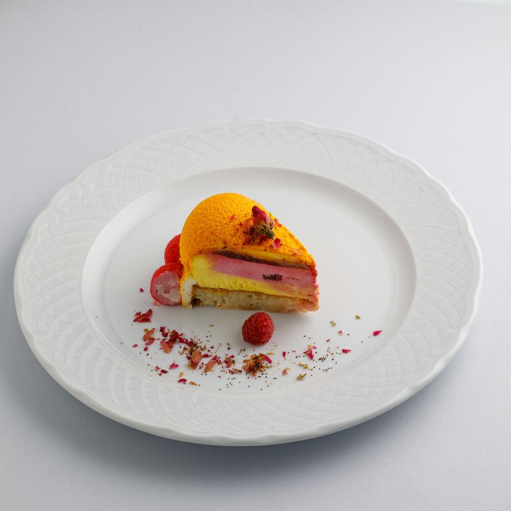 Mango-raspberry cake