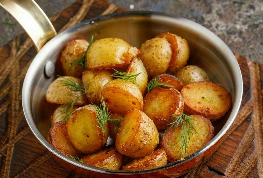 Roasted mini potatoes with garlic and fresh herbs