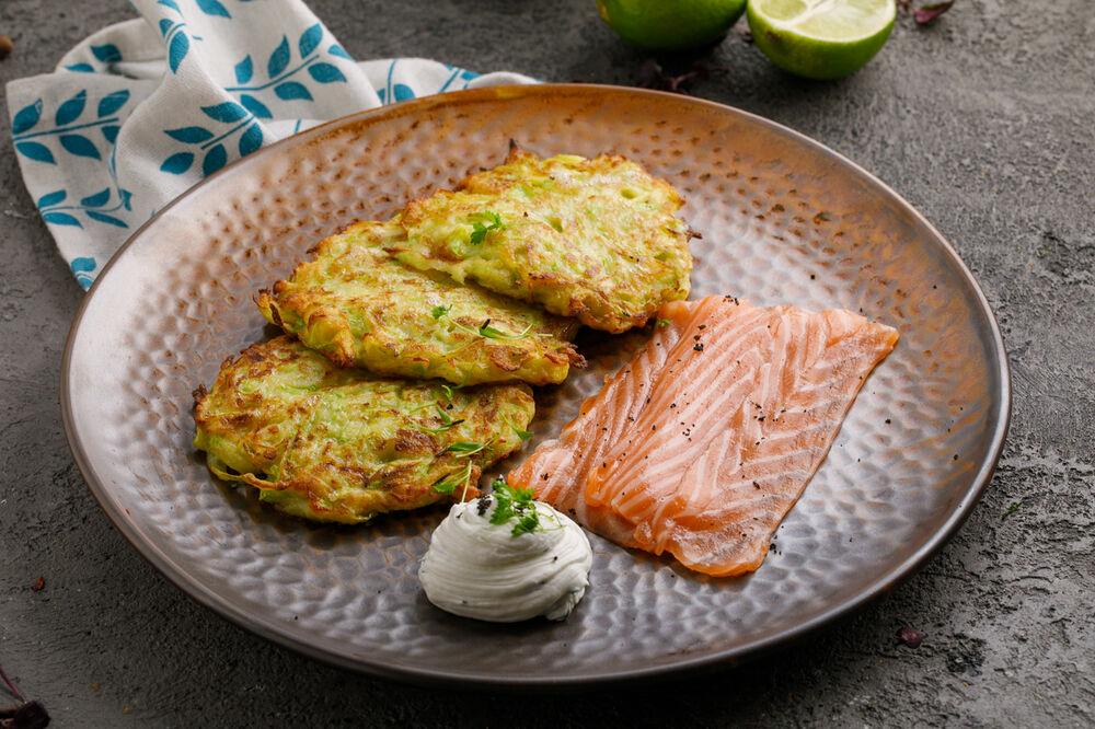 Zucchini pancakes with salmon