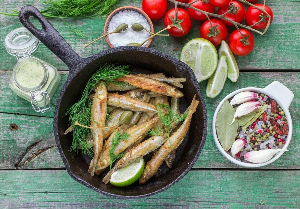 Fried smelts with tkemali sauce