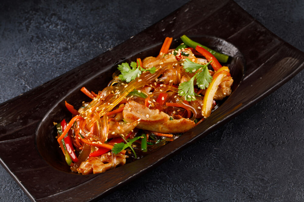 Glass noodles with chicken and vegetables