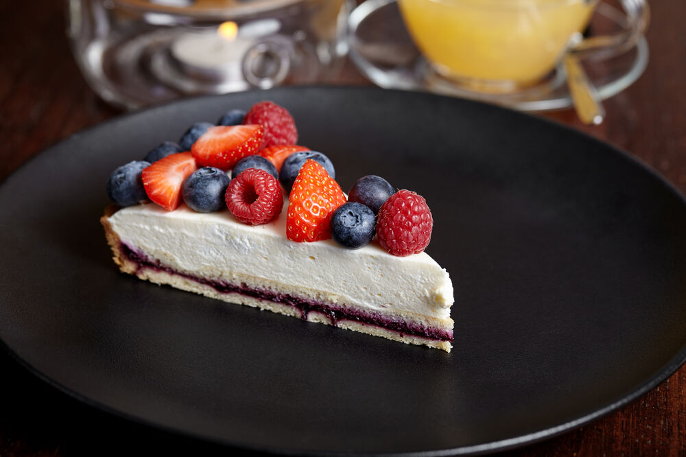 Fresh berry custard tart
