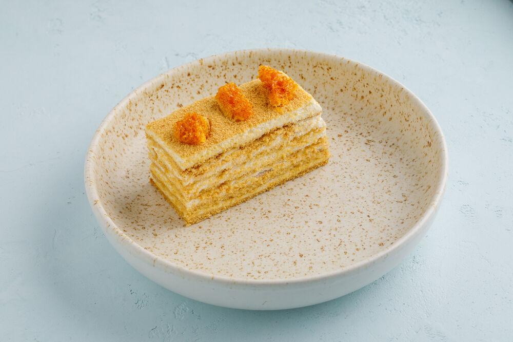 Medovik honey cake