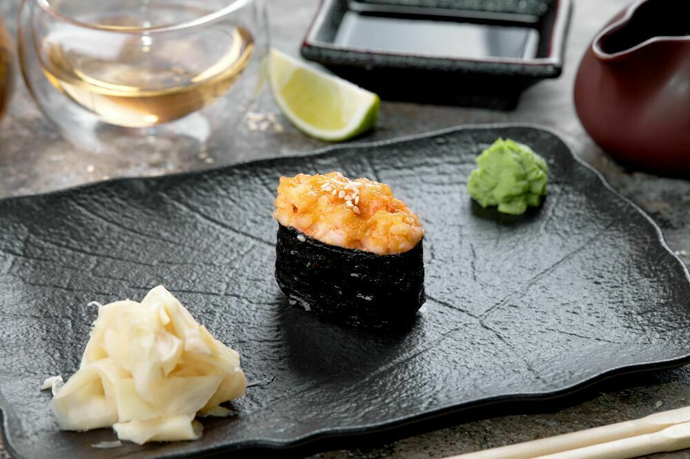 Baked sushi with scallop