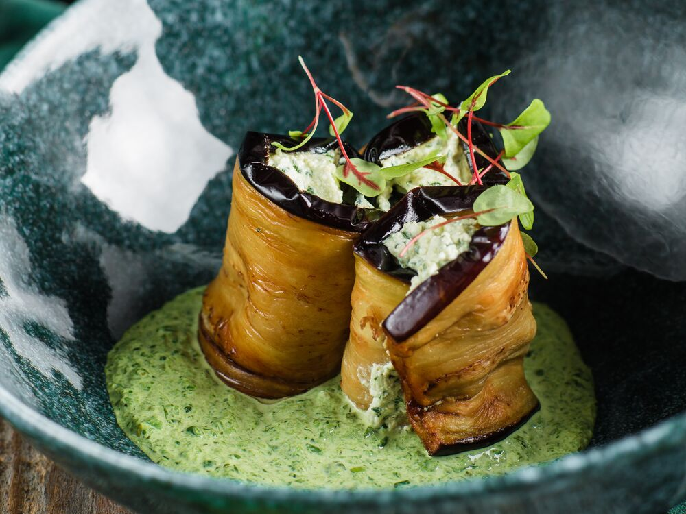 Rolls from eggplants with greens and the Sotoliya sauce