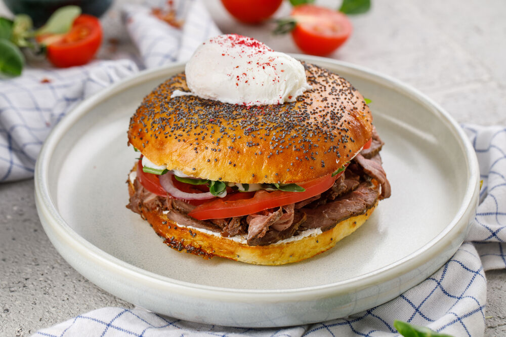 Bagel with beef