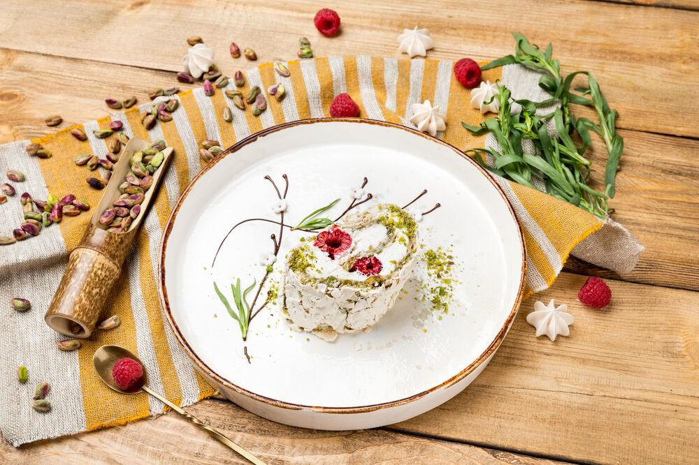 Pistachio roll
