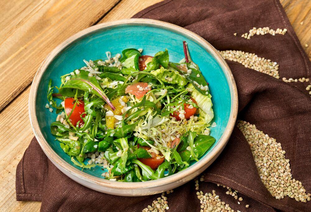 Green buckwheat salad