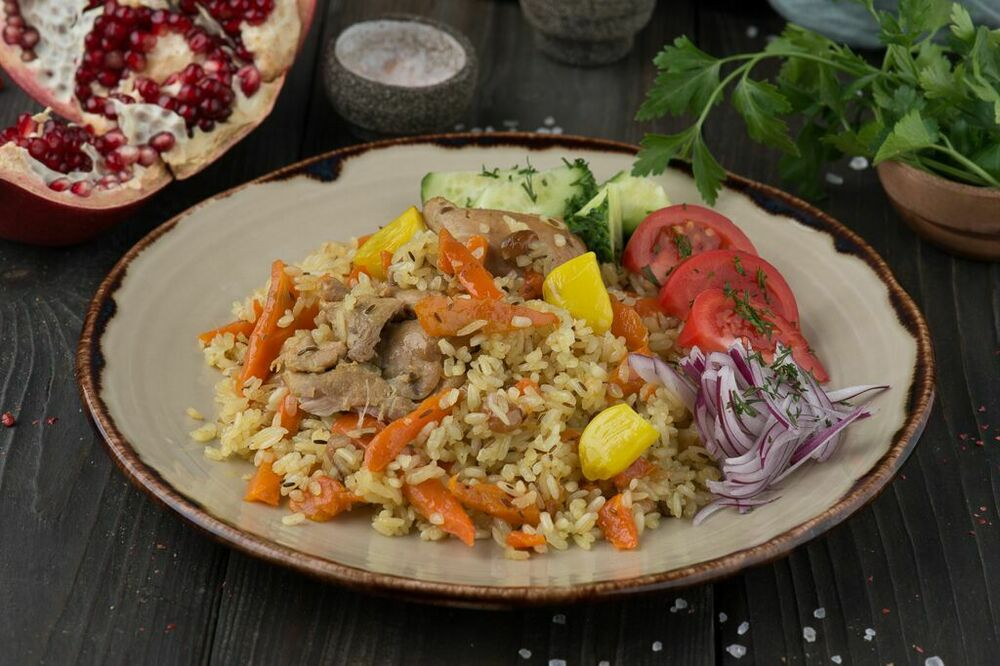 Pilaf in a Bukhara way with fresh vegetables