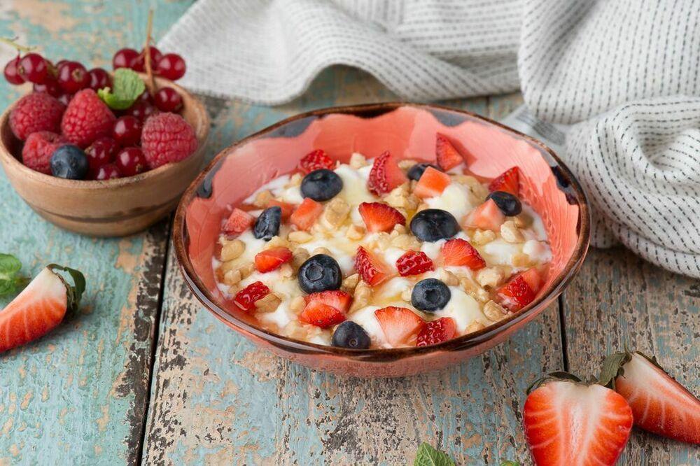 Yogurt from Nato with honey and fresh berries