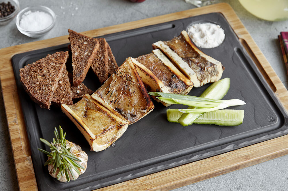 Beef marrow with brown bread and smoked salt