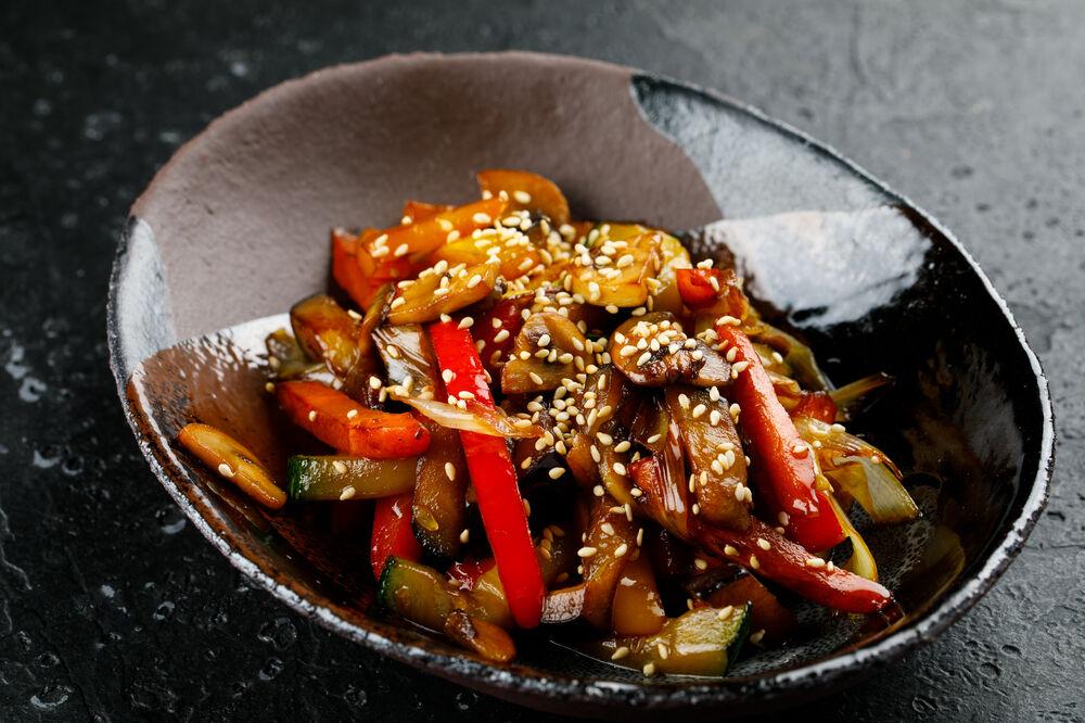 Sesame vegetables stir fry